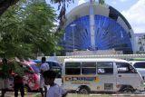 Pengemudi angkot di Kupang menggelar aksi mogok