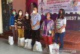 Bagikan 250 paket sembako, anggota DPRD Palu Farden Saino terima aspirasi warga