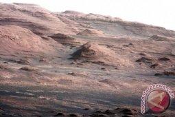 Uni Emirat Arab luncurkan misi pertamanya ke Mars