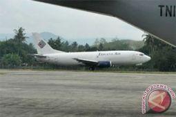 Pesawat Trigana tergelincir di Bandara Halim