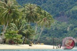 Sumatera Barat 'kebanjiran' wisatawan asing