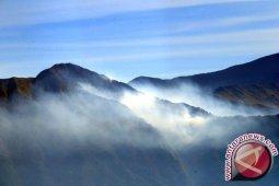 Wisata pendakian Gunung Rinjani belum normal