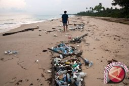 Anggota DPR Soroti Ancaman Plastik Terhadap Lautan