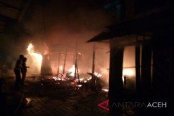 Delapan kios terbakar di Pasar Langsa