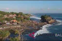 Tanah Lot Tabanan-Bali tutup sementara