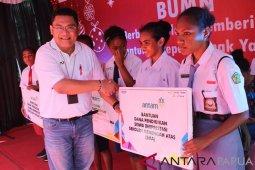 Antam salurkan bantuan kepada lima panti asuhan di Jayapura