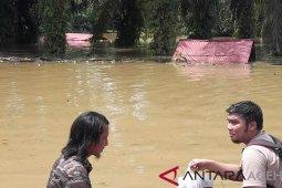 Pemerintah Aceh salurkan bantuan korban banjir Aceh Selatan