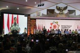 Jokowi: Guru Terampil Harus Lebih Besar Dibanding Yang Normatif