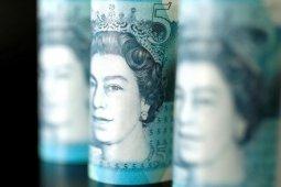 Dolar melonjak tertinggi empat minggu ketika sterling, saham AS jatuh