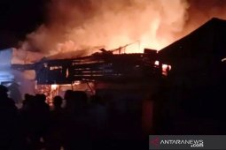 Tiga ruko dan satu rumah terbakar di Aceh Selatan, satu warga ikut terbakar