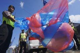 Petugas gabungan sita enam balon udara siap diterbangkan di Wonosobo