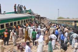Sedikitnya 30 orang tewas akibat tabrakan kereta di Pakistan