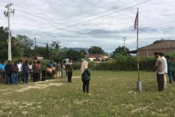 Upacara bendera sederhana HUT RI di Buhit Samosir