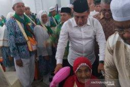Jamaah haji kloter 1 Debarkasi Medan tiba Jumat malam