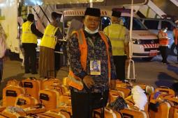 Jamaah Kloter 9 Debarkasi Medan tiba di asrama haji