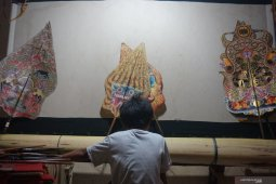Place for Indonesia's shadow puppetry in gleaming world of youth