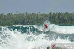 Jordy dan Piper Harrison juarai Surfing Nias Pro Sail Nias