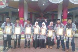 Sembilan pemuda pelopor terima penghargaan dari Gubsu