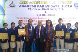 Sambut mahasiswa baru Akpar Ulcla Tarutung, Frans Meroga: SDM profesional dukung parwisata Danau Toba