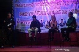 Talkshow keterbukaan informasi publik upaya mewujudkan pemerintahan transparan