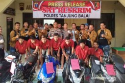 Enam sepmor diamankan, Polres Tanjungbali tangkap kompolotan curanmor