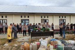 Polres Pohuwato musnahkan miras hasil Operasi Pekat 2019