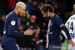 Pandemi bakal memaksa Mbappe dan Neymar bertahan di PSG musim depan