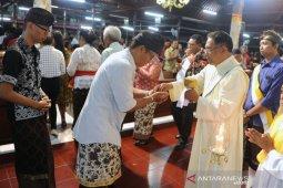 Kilas Balik 2019 - Umat Katolik Badung rayakan Natal bernuansa Bali