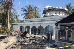 Sebuah masjid dan sejumlah ruko di Aceh Utara terbakar