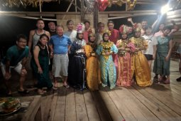 Belasan wisatawan asal Jepang tahun baru di Pulo Cinta Gorontalo