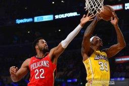 Pemain Lakers Howard berduka