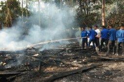 Sembilan jiwa ngungsi akibat rumahnya ludes terbakar di Aceh Tenggara