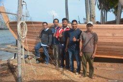 Pompong, kapal ikan yang butuh keahlian khusus membuatnya