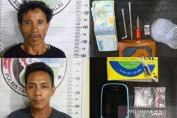 Dua pemilik narkotika ditangkap, satunya di Symponi Karaoke Tanjungbalai