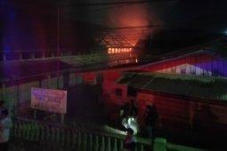 Dua ruang kelas SMK Banta Ahmad di Aceh Tamiang ludes terbakar