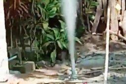 Semburan gas liar muncul di pedalaman Aceh Barat