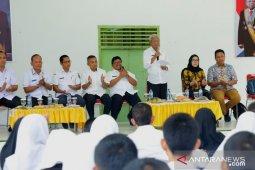 Bupati Asahan motivasi pelajar ikuti beasiswa Sampoerna Foundation