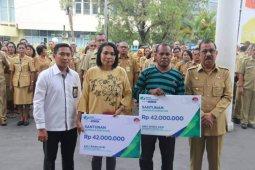 BPJamsostek Maluku serahkan santunan kematian petugas kebersihan Kota Ambon
