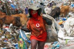 Mereka dari komunitas 'garda depan' daur ulang yang terdampak pandemi