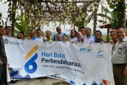 Dukung Desa Wisata Jabu Sihol, Kepala KPPN Pematangsiantar tanam pohon