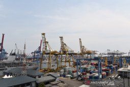 Indonesia ends nine-year deficit streak, posts current account surplus