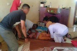 IRT lumpuh dibawa ke rumah sakit di Aceh Utara