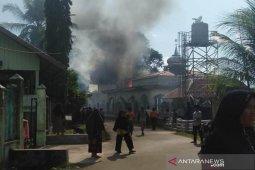 Gudang pesantren Ar-Risalah Aceh Jaya terbakar
