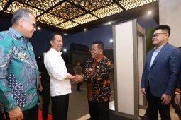 Wali Kota Aminullah sambut Presiden Jokowi tiba di Banda Aceh