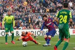 Messi borong  empat gol gulung Eibar 5-0