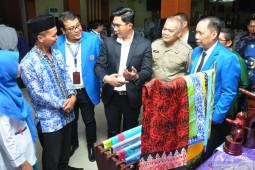 Menimbang Efektifitas Penyederhanaan Regulasi Untuk Indonesia Maju