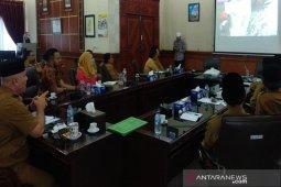 Aceh Tengah jajaki kerjasama pengelolaan sampah dengan perusahaan Inggris