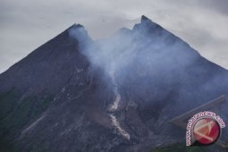 Merapi erupsi, tinggi kolom asap 6.000 meter