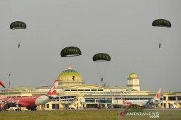 Latihan terjun payung TNI AU