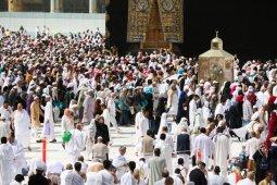 Khawatir corona, Arab Saudi melarang warganya umrah